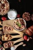 De cachounoten worden geroosterd heerlijk met zout Stock Afbeelding