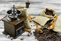 De café dos feijões vida ainda Fotografia de Stock Royalty Free