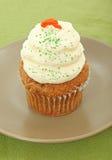 De Cake Cupcake van de wortel op Plaat Stock Foto's