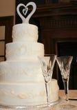 De Cake en de Broodroosters van het huwelijk Stock Foto's