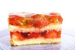 De cake van aardbeien stock afbeeldingen
