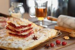 De cake van de bladerdeegpruim Stock Fotografie