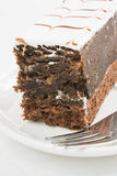 De cake van de chocolade met suikersuikerglazuur stock fotografie