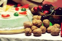 De cake van de de okkernotenkers van de lijstregeling Royalty-vrije Stock Fotografie