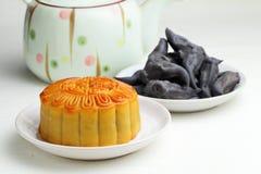 De cake van de maan met thee en water caltrop Royalty-vrije Stock Afbeelding