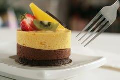 De cake van de mango stock afbeeldingen
