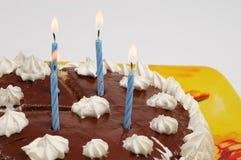 De cake van de verjaardag met kaarsen Stock Afbeelding
