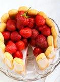 De cake van de yoghurtaardbei Stock Afbeelding