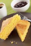 De cake van het graan met jam en koffie stock foto