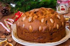 De cake van het Kerstmisfruit met gedroogd fruit en amandelen De cake van Dundee stock afbeeldingen