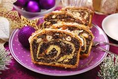 De cake van het papaverzaad voor Kerstmis Stock Afbeeldingen