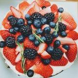 De cake van mengelingsburry!! Stock Fotografie
