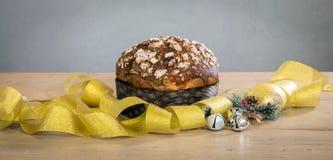 De cake van Panettonekerstmis stock foto