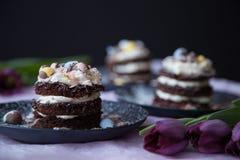 De Cakes van chocoladepasen met Honey Mascarpone Stock Foto's