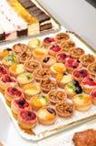 De cakes van het fruit op een lijst Royalty-vrije Stock Fotografie