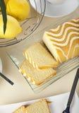 De cakestilleven van de citroen, vogelsmening Stock Afbeelding
