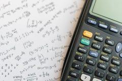 De calculator van de close-upknoop Selectieve nadruk stock afbeeldingen
