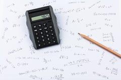 De calculator van de zak, potlood en berekeningen Royalty-vrije Stock Foto's