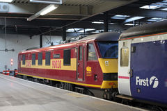 De Caledonische trein van de Dwarsbalk bij de post van Londen Euston Royalty-vrije Stock Foto's