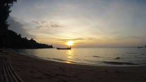 De Cambodjaanse romantische zonsondergang van het Konijneiland 4K stock footage