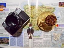 De camera en de koffie Royalty-vrije Stock Afbeeldingen