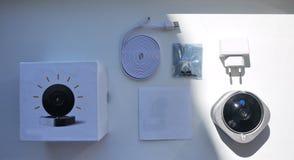 De camera, het materiaal en de toebehoren van het huistoezicht stock afbeeldingen