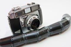 De camera van de film en negatief Royalty-vrije Stock Afbeeldingen