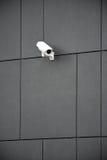 De camera van de veiligheid bij de bureaubouw Stock Foto's