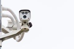 De camera van kabeltelevisie De Camera van de veiligheid op de muur Privé-bezit prote Stock Afbeeldingen