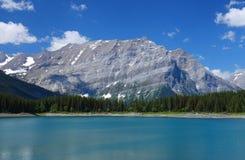 De Canadese Rotsachtige Bergen Stock Foto