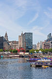 De canal de péniches Albert Dock de Liverpool dedans Photos stock