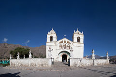 De canion van Colca van de Kerk van het Dorp van Yanque Stock Foto