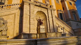 De Capitoline-Fontein stock video