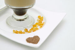 De Cappuccino's van Latte in een lang glas. Royalty-vrije Stock Foto