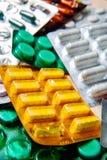 De capsules van tablettenpillen in een Blaar verpakking Royalty-vrije Stock Afbeeldingen