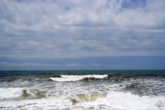 De Caraïbische Zee en één van zijn mooie stranden op Isla Grande, Rosario Archipelago stock afbeeldingen