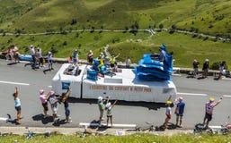 De Caravan van de ibisbegroting - Ronde van Frankrijk 2014 Stock Foto
