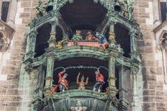 De carillon van München ` s rathaus-Glockenspiel royalty-vrije stock foto's