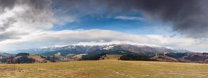 De Carpathian bergen Royaltyfri Bild