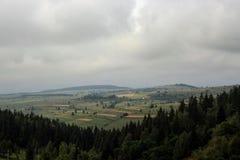 De Carpathian bergen från Rumänien Fotografering för Bildbyråer