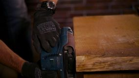 De Carpetnterwerken met randen van houten lijst stock footage