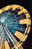 De carrousel van het reuzenrad in pretmarkt bij nacht Stock Fotografie