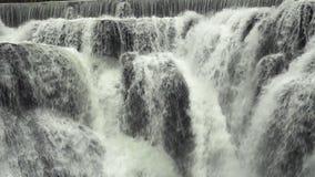 De Cascades van de Shifenwaterval, Pingxi, Nieuw Taipeh, Taiwan Sluit omhoog mening stock video