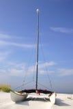 De Catamaran van het strand stock afbeeldingen