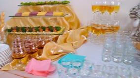 De catering van de buffetlijst, huwelijk, voedsel, gebeurtenis, stock video