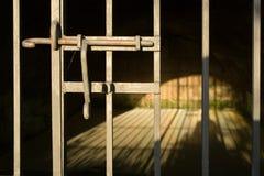 De cel van de gevangenis stock afbeelding