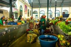 De centrale boxen van het marktvoedsel in Maputo, Mozambique stock foto's