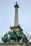 De centrale kolom van het Millenniummonument in Hero& x27; s Vierkant in Boedapest in Hongarije Royalty-vrije Stock Foto