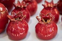 De ceramische granaatappel kijkt tandenstokerhouder stock afbeeldingen