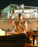 De Ceremonie van Aarti van Ganga in Varanasi Royalty-vrije Stock Afbeelding